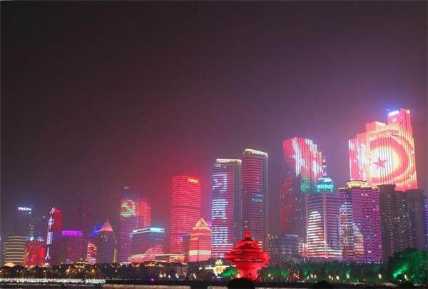 上海合作组织青岛峰会大幕开启,华北工控服务城市灯光