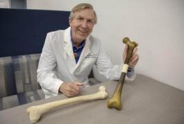 美国研究人员使用3D打印机和干细胞组合来研究骨再生技术