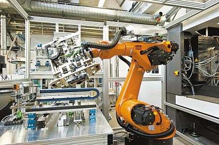 把工业机器人放出笼子!协作机器人下一个十年将迅猛亿