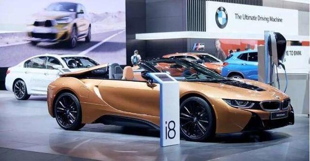 宝马这款双门轿跑在今年的北京车展上亮相,宝马汽车品牌公布这款全新