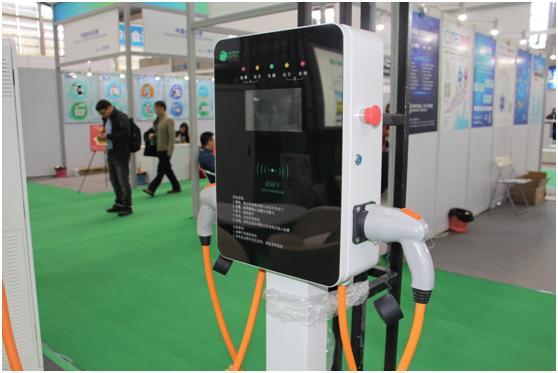 电动车及技术展上的充电桩汇总