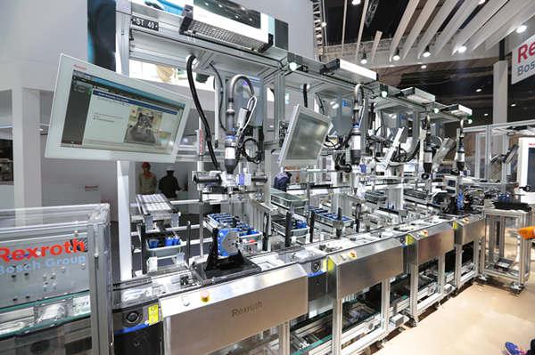 1%,集成电路增长33.3%,工业机器人增长25.1%.