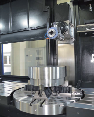 体积庞大的多才多艺:最新的多功能加工中心配备了不同的'磨削 动力头',将重型零件的切削加工性能提高到了更高的全新水平。