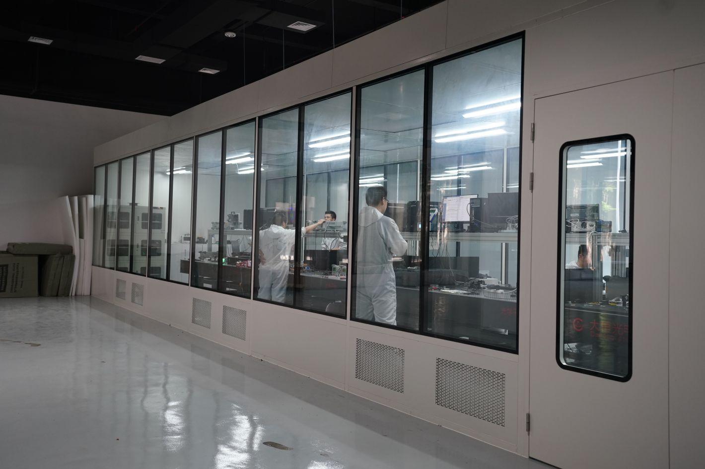 重庆第一款超快激光产品在两江新区面世,已实现小批量试产